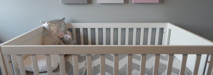 Des conseils pour choisir le lit parfait pour b b - Comment choisir un bon lit ...