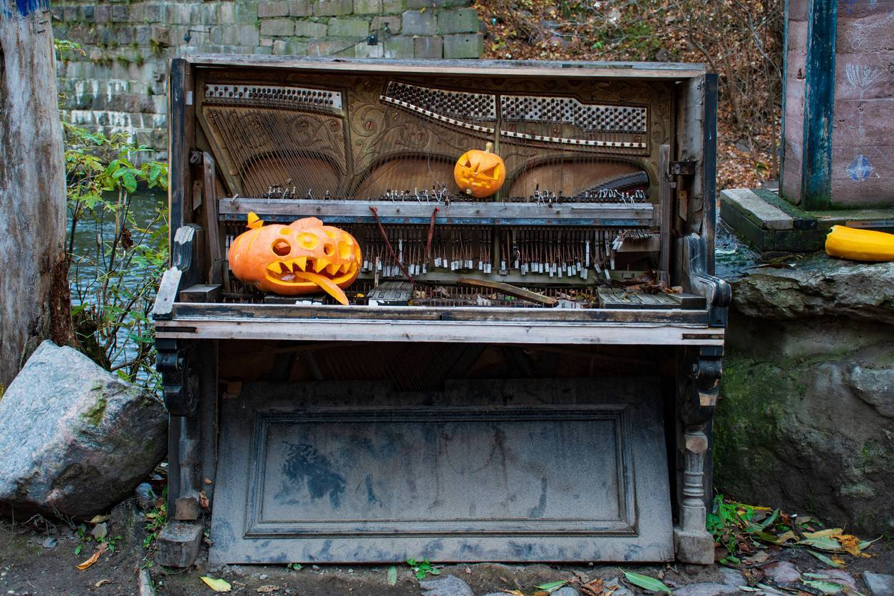 piano halloween